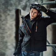 防寒アウターのおすすめ16選|選び方やより暖かく着るためのコツなども紹介